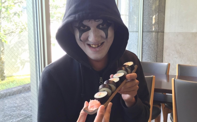 悪魔もおもわず舌を巻く、これが超絶品「そうめん巻寿司」だ!