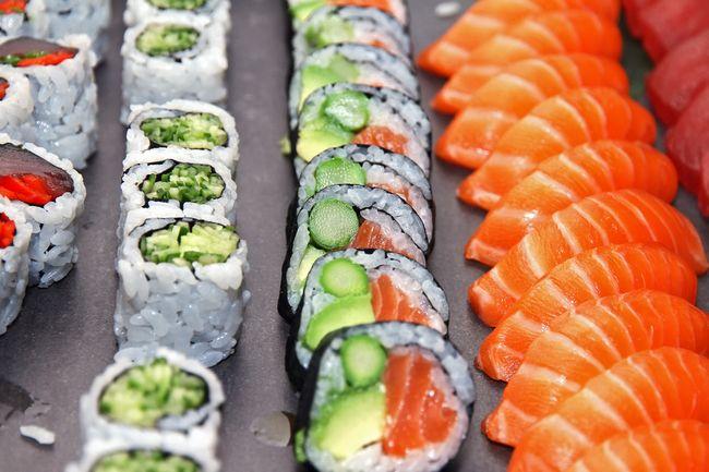 オランダの「寿司食べ放題」で嫌がらせ?巨大握りを出す意味とは