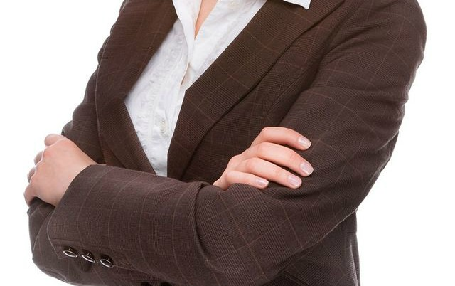 159338-woman_businesssuit-640x402