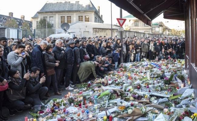 パリ多発テロ、イスラム国の「金と武器」はどこから来るのか?