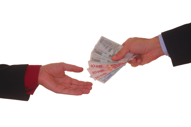 「借りた金は返さない」が常識の外国を日本は見習うべきではない