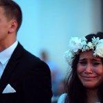 世界が号泣。NZの結婚式サプライズが本格的すぎて鳥肌モノ