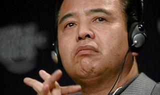 甘利氏「涙のサプライズ辞任」を美談にしたがる異常事態