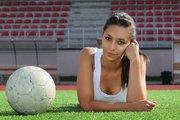 人工芝でプレイした女子学生が次々とガン発症…全米で大問題に
