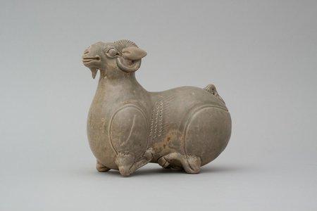 3_古越磁(越州窯青磁)羊
