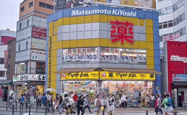 マツキヨが首位陥落の危機。突如現れた「業界2位」の刺客とは?