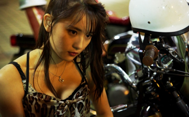 スパガ浅川梨奈が「やれよ! 揉めよ!」と絶叫する性白書映画