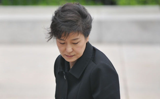 韓国国民だけでなく、米中からも嫌われた朴大統領の失態