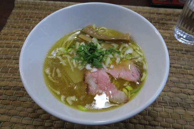 ラーメン官僚をして高水準と言わしめた目黒・壱富士の清湯スープ