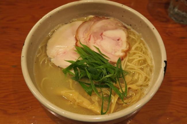 ラーメン官僚が初めて心の底から感動した、三軒茶屋の鶏白湯