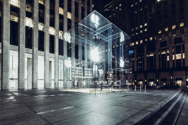 15 -Desert in New York - Apple Store on 5th - Thanksgiving 2016 © Genaro Bardy
