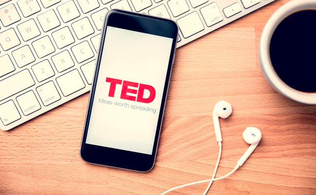 幸せを手にするには? ハーバード大講師がTEDで明かした意外な方法