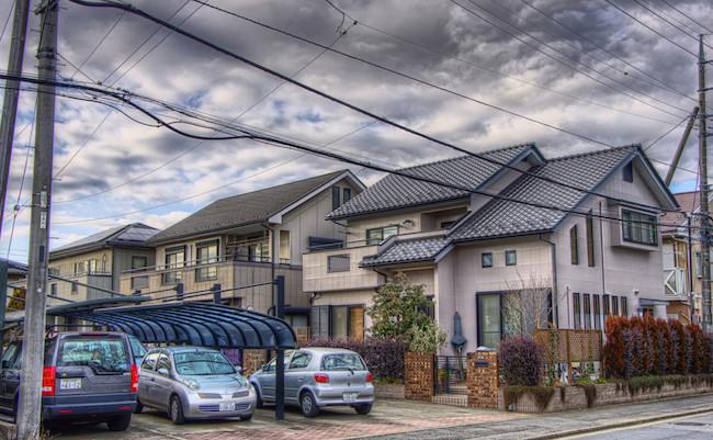 ゴーストタウン化する大都市郊外。かつて憧れの高級住宅街の末路