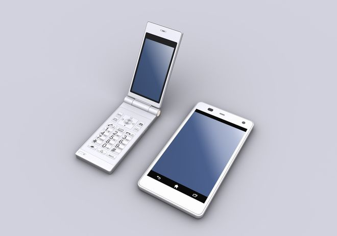 【ガラケー割合は半数】新世代フューチャーフォンで潜在市場を狙う日本メーカー