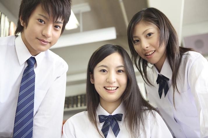 女子中高生の胸キュンランキング、2位は「壁ドン」、では1位は?