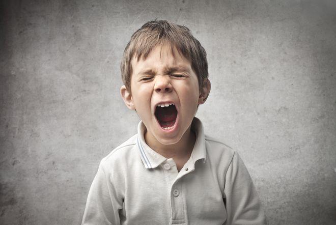 おもちゃ売り場で駄々をこねる子供に絶対にやってはいけない対処法