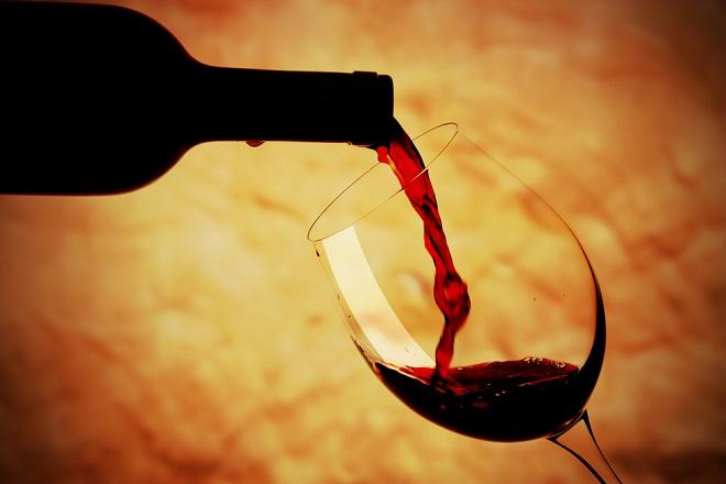 「赤ワインは体に良い」という神話はもう古い!?