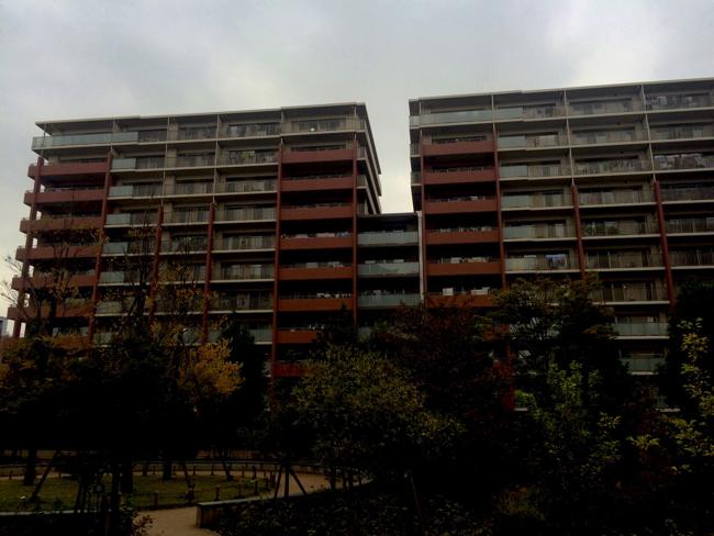 傾きマンション問題、短い杭を打たせた不動産会社の「被害者面」
