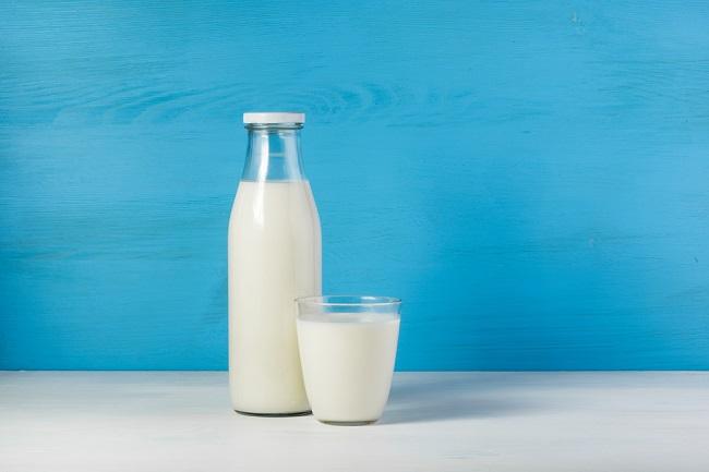 美味しい牛乳、1日何杯飲むとガンになるのか。医学博士の見解は