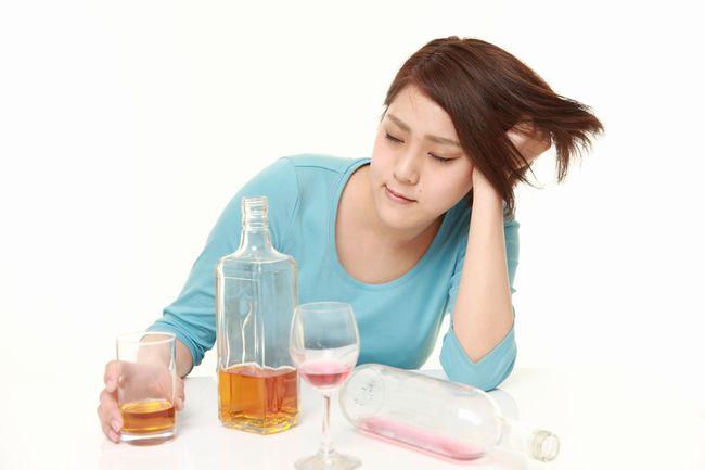 「お酒は訓練すれば飲めるようになる」は真っ赤なウソだった
