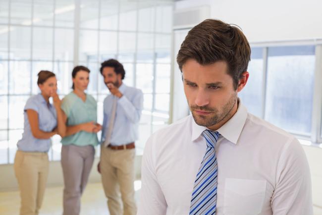 「頭の良い人は差別をしない?」—北米最新研究で論争