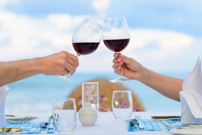 ワインが「腸内フローラ」を整える? オランダの研究で新発見