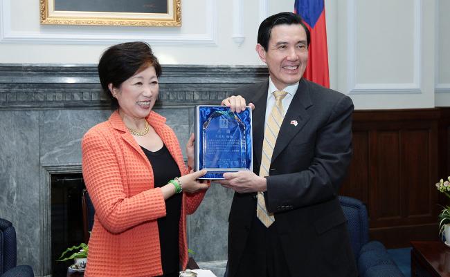 小池百合子都知事と台湾、知られざる「深い関係」