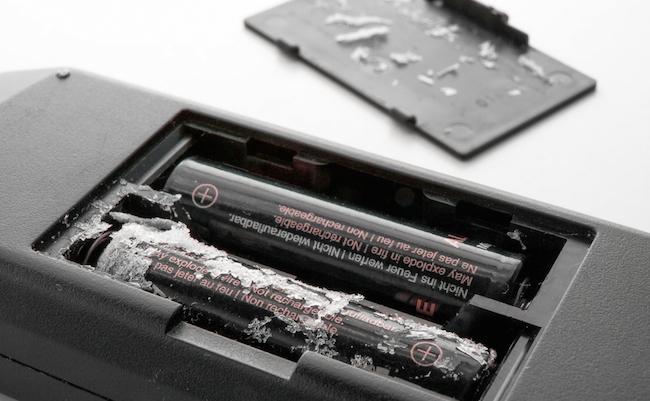 100均のアルカリ電池を、テレビのリモコンに使うのはやめなさい