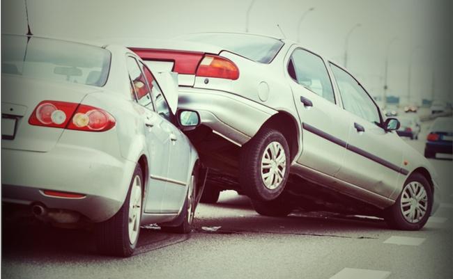 高齢者の運転事故、実は減っている。事故多発に見せたい政府の思惑