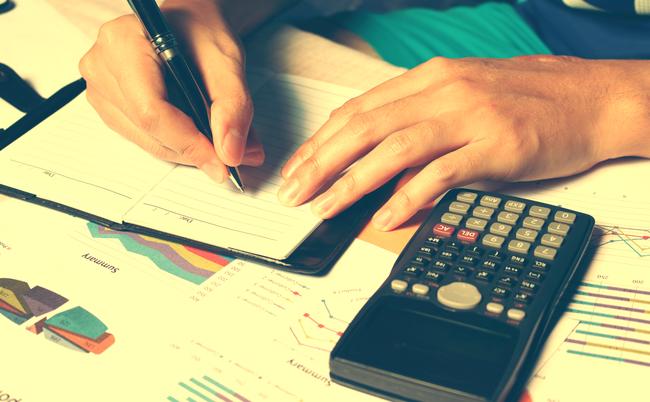 来月から生命保険料がひっそりと値上げ。庶民が損しない方法は?