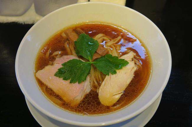 ラーメン官僚がハイレベルなスープと断言した、新井薬師前の醤油ラーメン