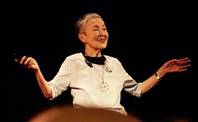 アップルCEO直々に招待。82歳日本人アプリ開発者マーちゃんとは?