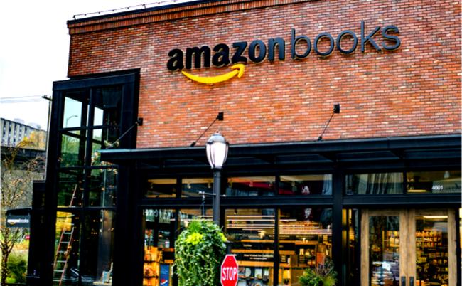 NYで大行列。なぜアマゾンは自ら駆逐したリアル書店を出店するのか?