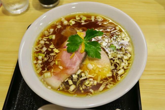 【長野市】ラーメン官僚が鶏と醤油に恋をした「隠れ家」中華そば【依々恋々】