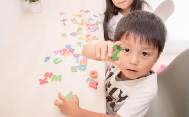 日本の親が気づけない「子供をバイリンガルに育てたい」の危険性