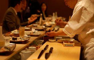 これぞ料理人道。なぜ日本はカウンターで食べられる店が多いのか