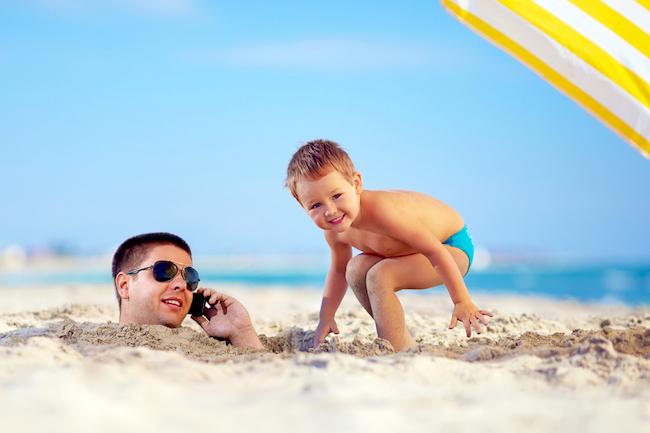 【英語ジョーク】父親から息子への教えは「実地教育」が1番