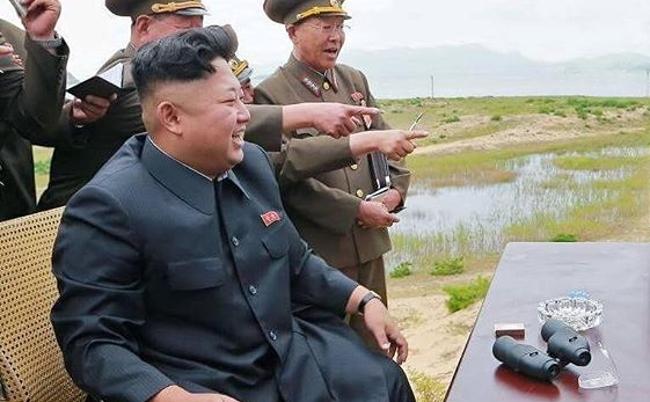 まるで戦前の騒ぎ。北朝鮮のミサイル発射を新聞各紙はどう伝えたか
