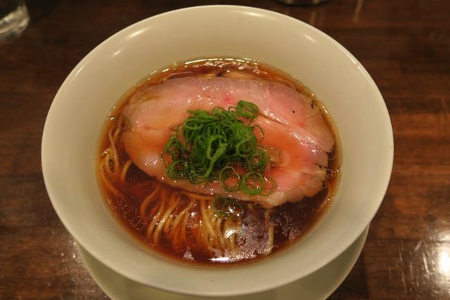 【大塚】ラーメン官僚も鳥肌が立った高レベルの醤油拉麺【鳴龍】